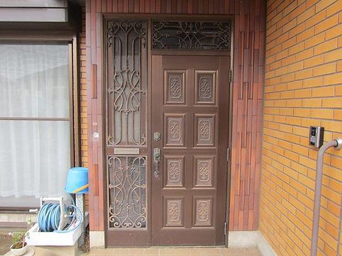 玄関ドアカバー工法前