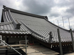 寺院の屋根もお任せください