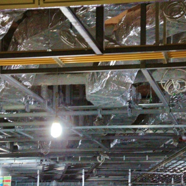 工事中の天井配線