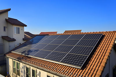 一般住宅の太陽光発電パネル