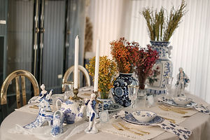 November Tablescapes: Elegant Blue And White Thanksgiving Table Setting