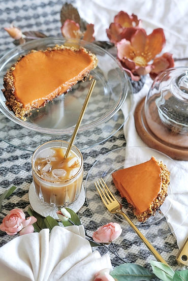 Thai Milk Tea Pie with Nutella Cereal Crust