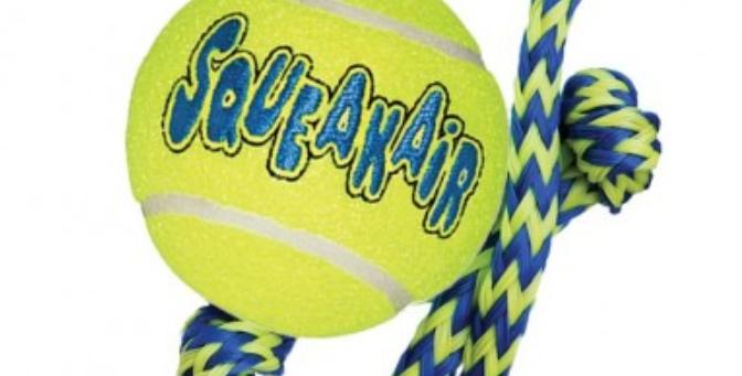 Kong Tennisball med tau