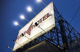 フクイホテル,LED投光器、LED防水電球、LED防犯灯、LEDチューブライト,全国通販,看板取付施工,ターポリン,フルカラー出力,看板業者
