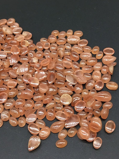 Sunstone natural Oval + Pear Cabochon 135pieces 147carats average