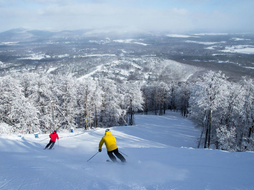 ski hill top places near montreal bromont