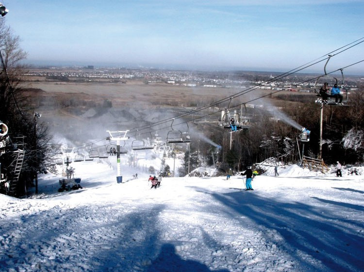 ski hill top places near montreal st bruno