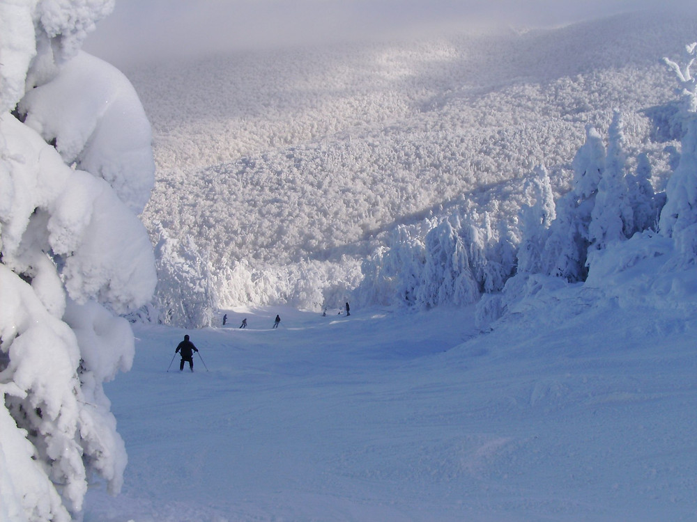 ski hill top places near montreal sutton