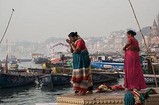 praying at the Ganga_DSC8743.jpg