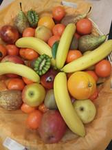 Présentation de fruits frais à offrir ou pour vos repas