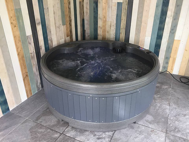 Orbis Hot Tub (5 person) - Free Installation & Delivery!