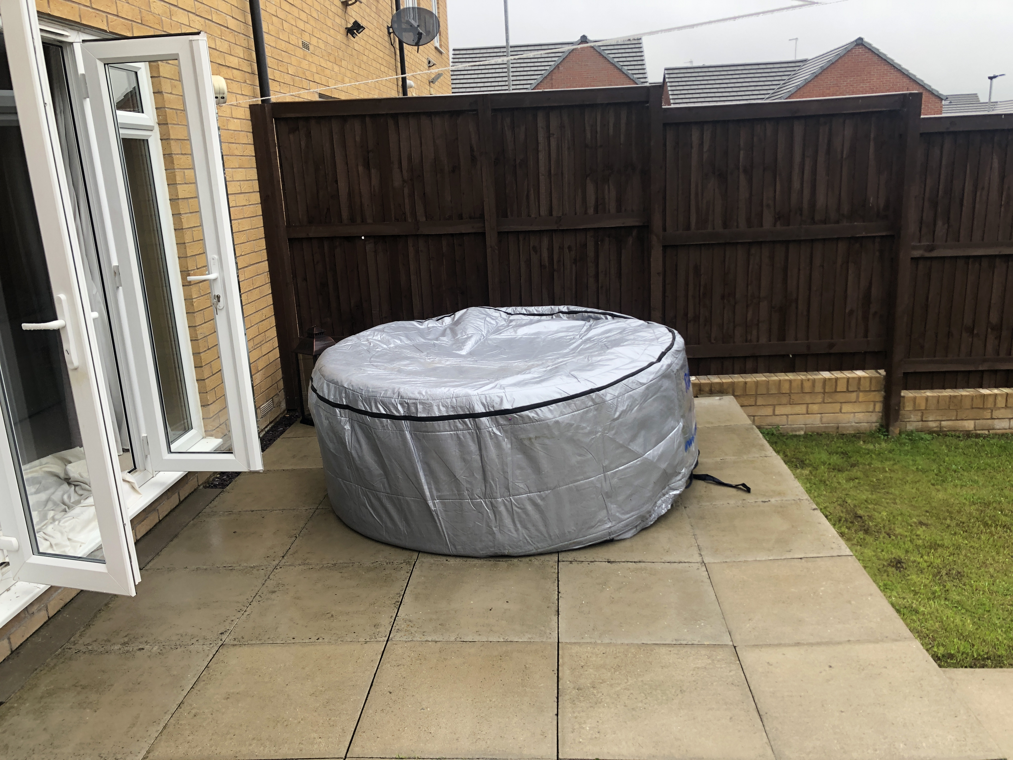 cover Rotospa Orbis Eazy Hot Tub Hire Yorkshire hot tub rotherham Sheffield Barnsley Doncaster Wakef