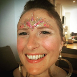 Happy face #goddessmasque #hen I #love making faces shine #beautiful #friends #hotladies #nightout i