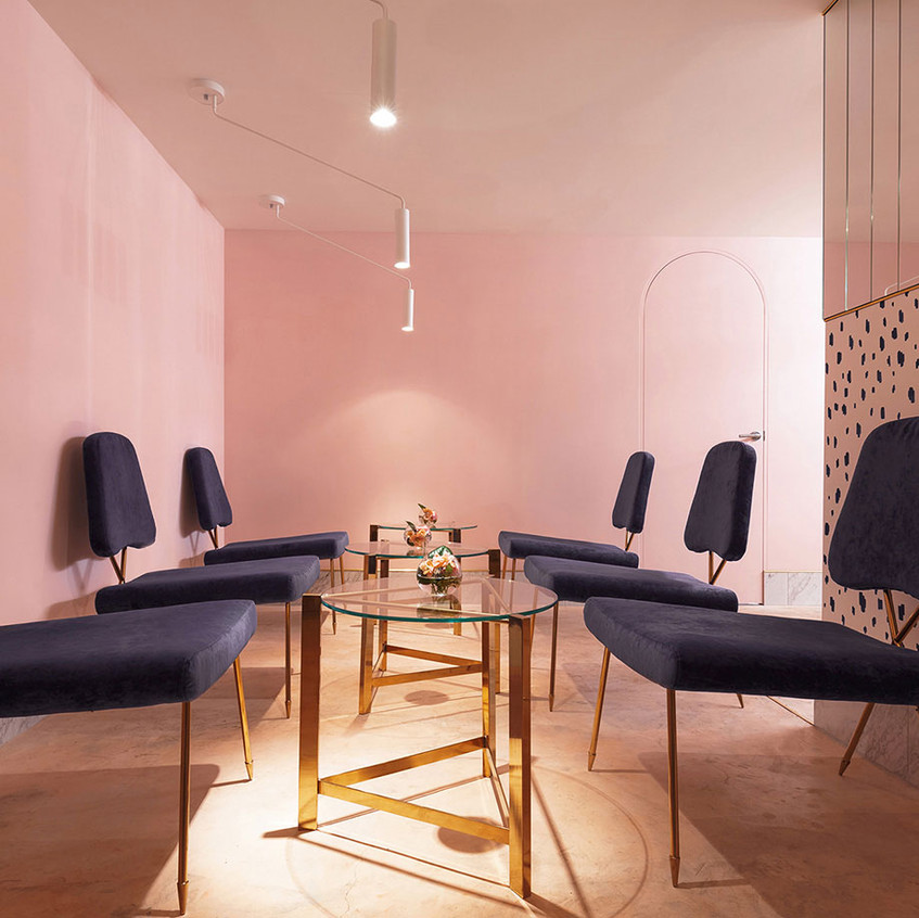Naive-Champagne-Bar-Kiev-Ukraine-by-AKZ-Architectura-Yellowtrace-10