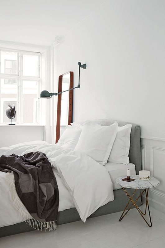 cool bedroom mix modern/traditional