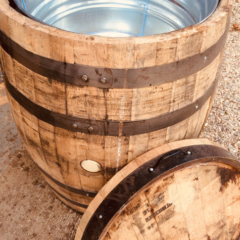 Bourbon Whiskey Beverage Barrel Photo.jp