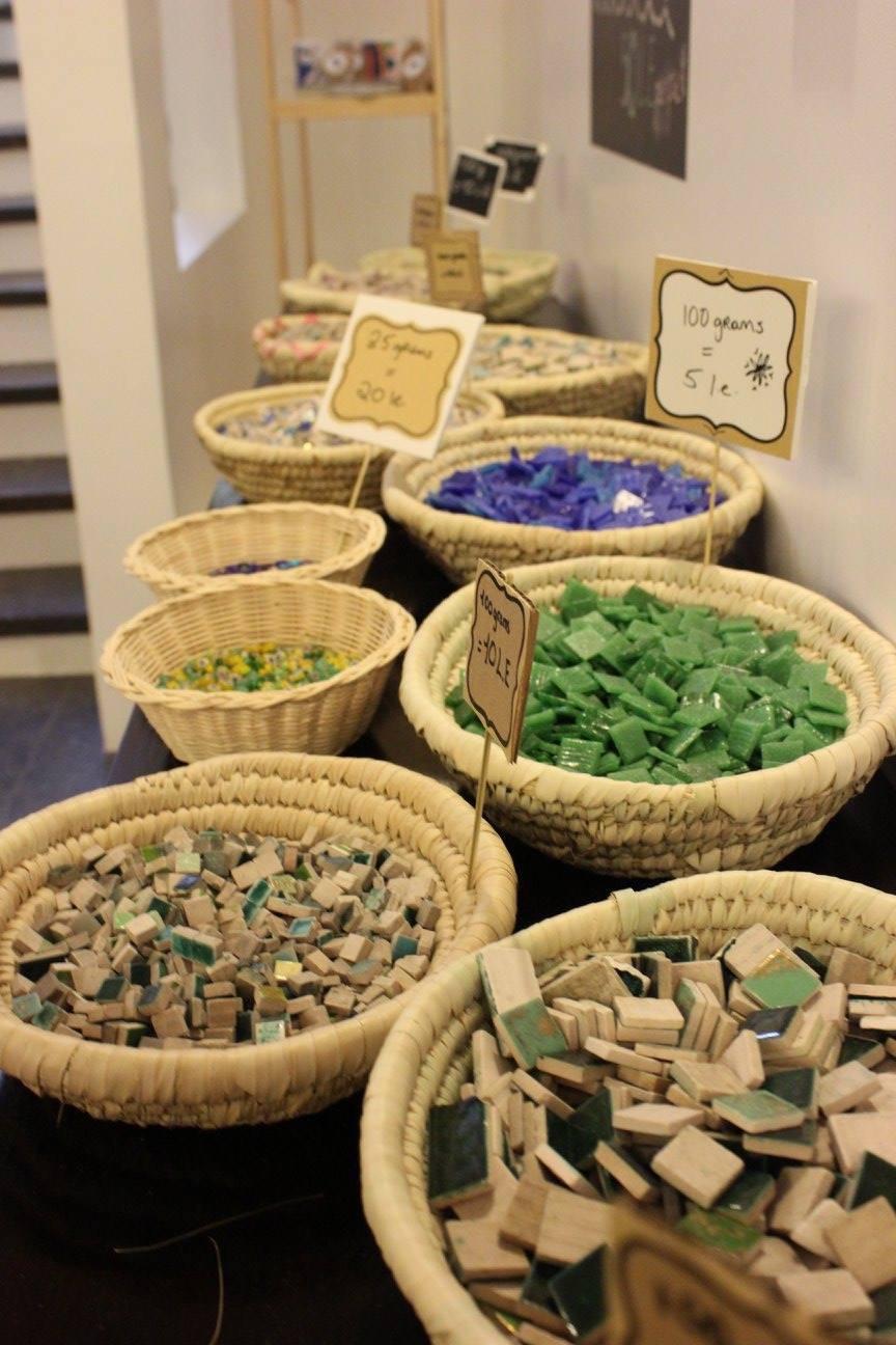 Mosaic material for display