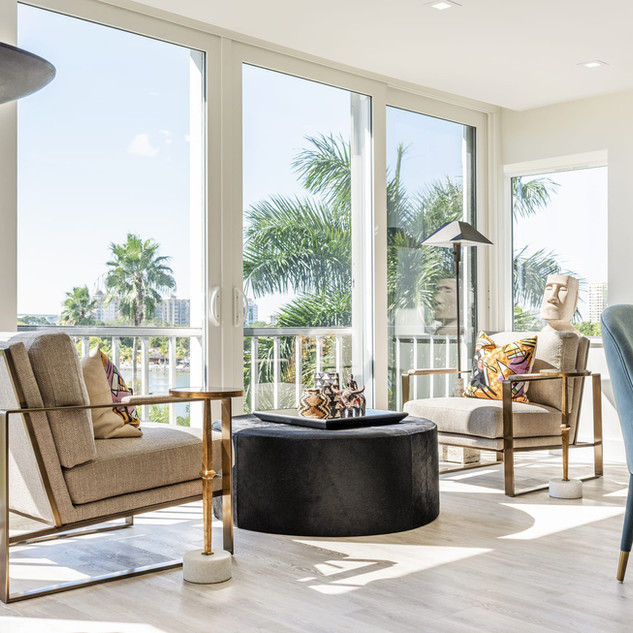 Extended Sitting Area - Sarasota, FL