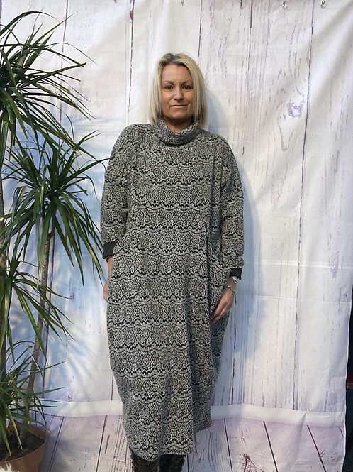 Grey Ella dress, fitting up to a size 22.     10110