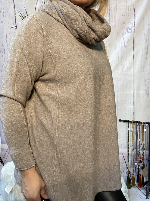 Fawn soft knit jumper with matching scarf. Fitting sizes 12-20.   7262