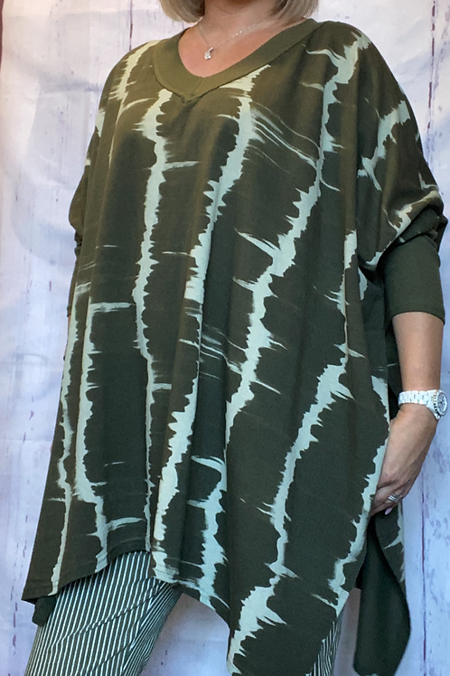Khaki marble print poncho style top. Fitting up to a size 24.   1635kk