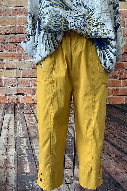 Mustard Capri pants size 12