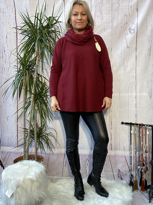 Wine soft knit jumper with matching scarf. Fitting sizes 12-18 7262