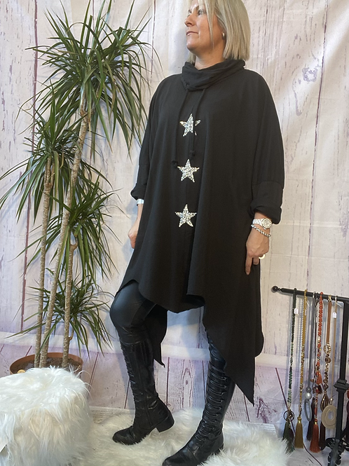 Black triple star quirky tunic, fitting up to a size 24.    9115