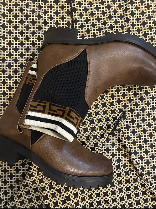 Fendi inspired Brown ankle boots   Size 3 only