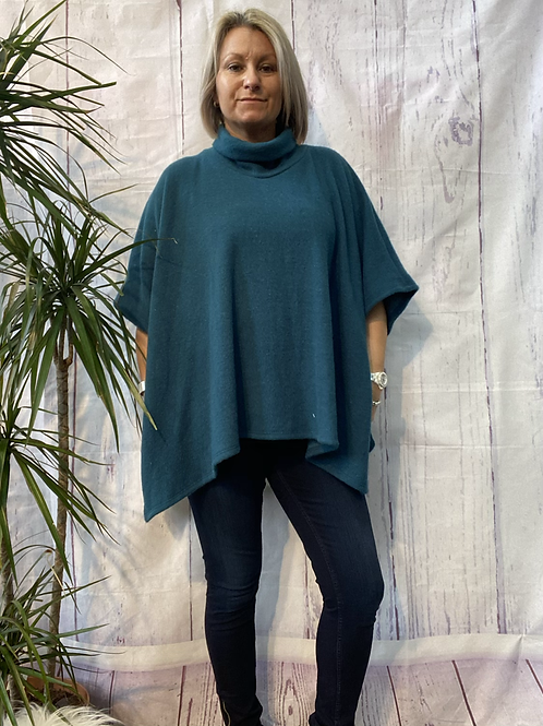 Teal super soft poncho top fitting up to a size 22.    16119