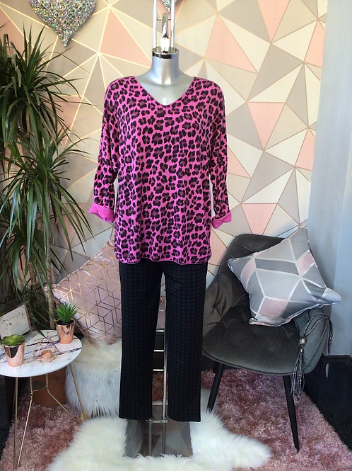 Cerise leopard print top, fitting sizes 10-16.      1779
