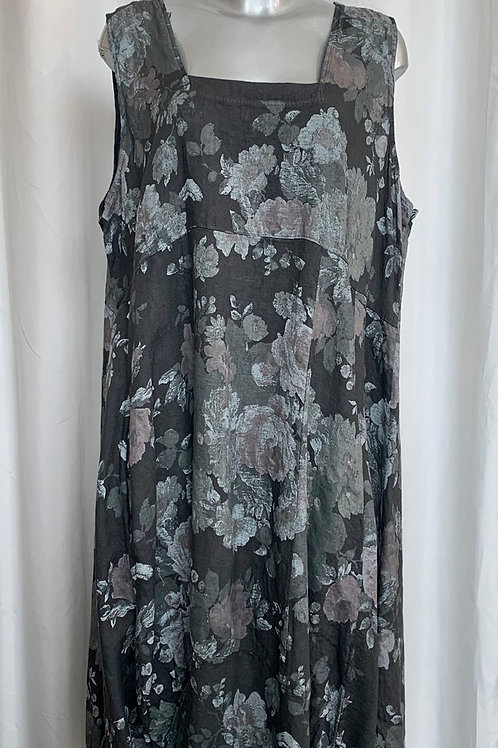 Charcoal Kirsty Lagenlook Linen Dress fitting up to a size 22. 002