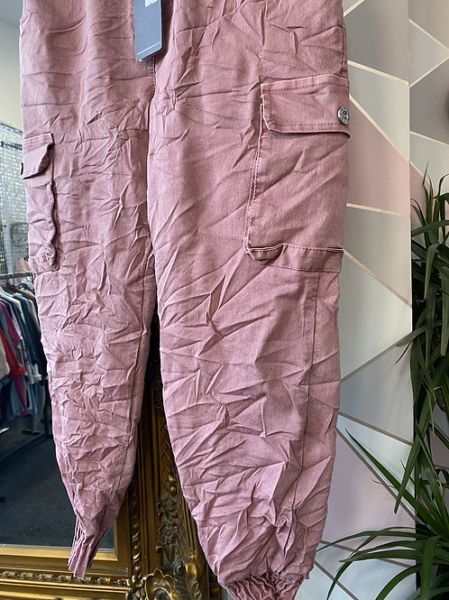 Pink magic cargo pants fitting up to size 18