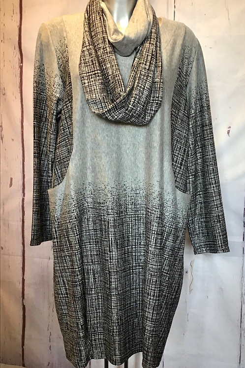 Grey and black mottled dress with matching snood, fitting sizes 16-18. 568