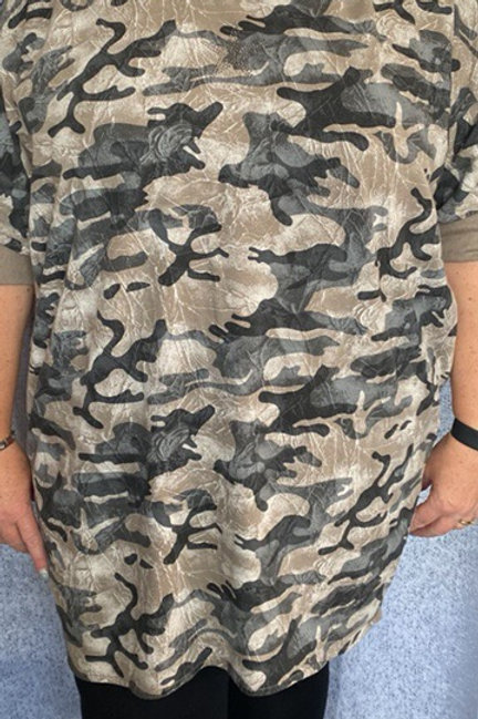 Mocha buttoned back Camo tunic, fitting up to a size 22.   5677