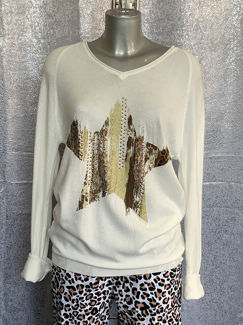 Ivory animal print star jumper, fitting up to a size 14.     6004
