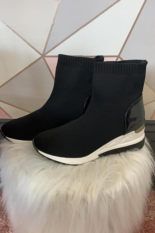 Black wedge sock trainer. Size 3 and Size 4