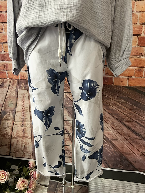 White Wow Magic Pants Fitting Up To A Size 18