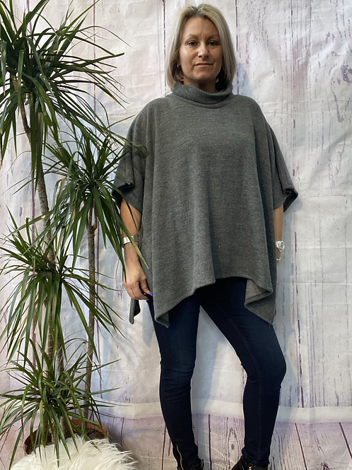 Grey super soft poncho top fitting up to a size 22.    16119
