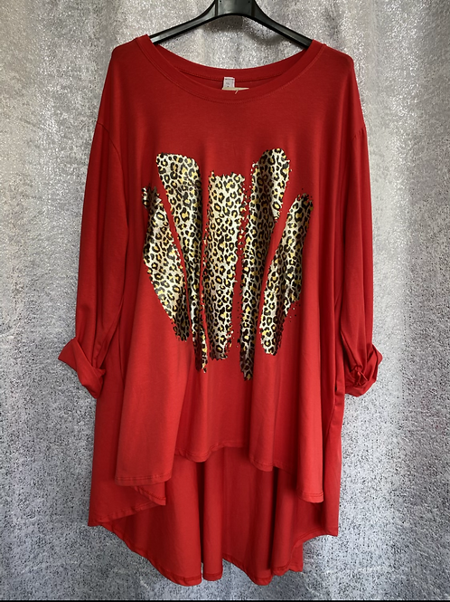 Red fan back top with foil print  fitting up to a size 24  0808