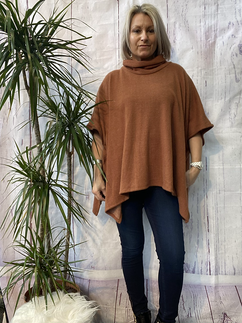 Camel super soft poncho top fitting up to a size 22.    16119