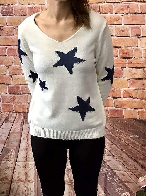 White knitted star pattern jumper, fitting sizes 8-12