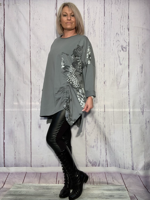Grey printed  top fitting up to a size 20