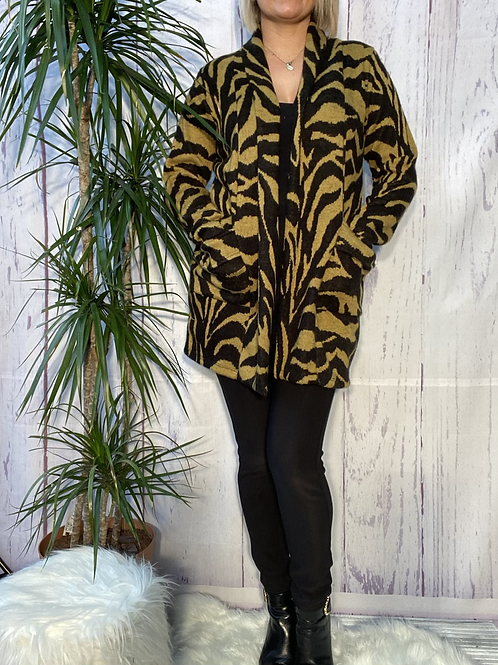 Black and mustard animal print cardigan, fitting up to a size 18. 6590