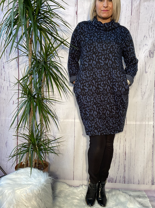 Blue leopard print cowl neck tunic, fitting up to a size 16.   6571