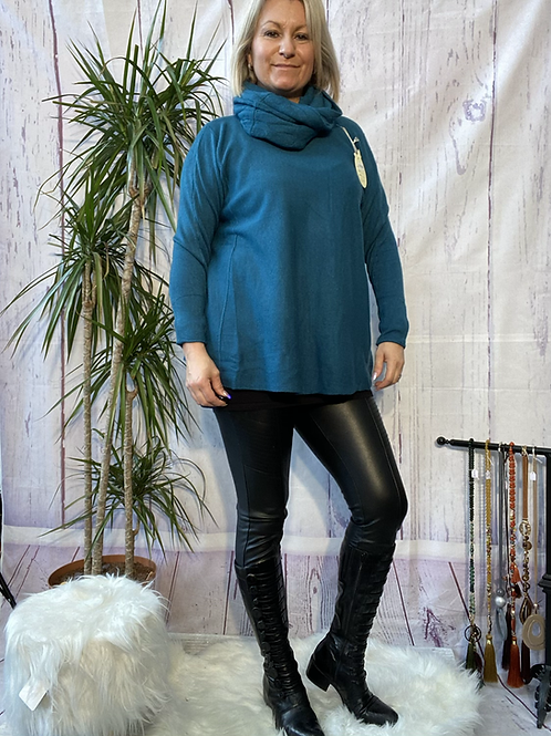 Teal soft knit jumper with matching scarf. Fitting sizes 12-18 7262