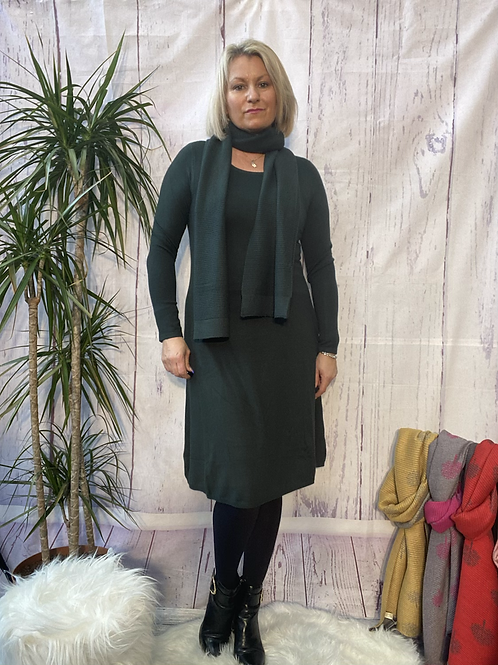 Emerald fine knit dress and scarf, fitting sizes 8-14.