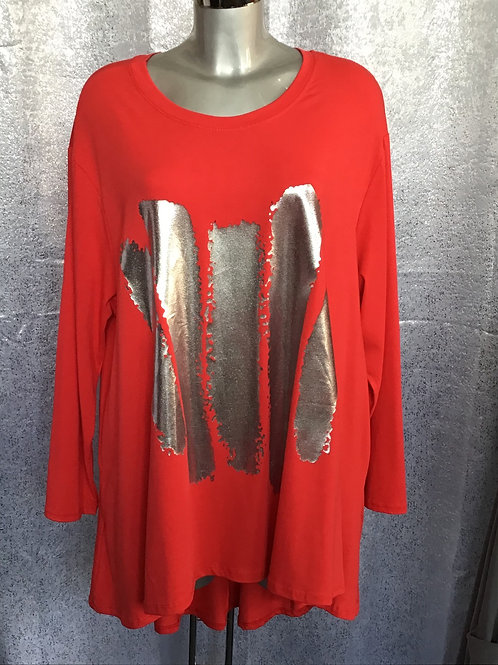 Red long sleeved fan back top with foil print. Fitting up to a size 24  0302