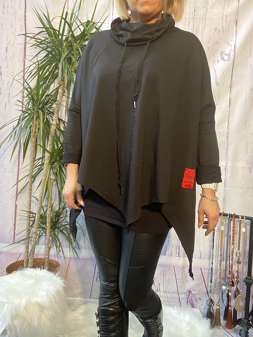 Black red label quirky top, fitting up to a size 16.    9114