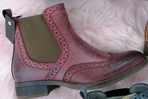 Wine brogue chelsea ankle boots    5773